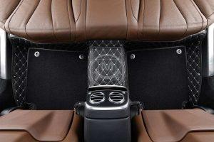 Manicci Luxury Car Floor Mats Premium black with white 1
